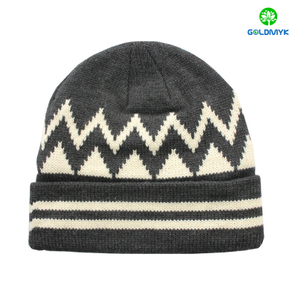 Jarquard pattern Beanie hat with cuff