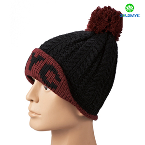 Twist knitted hat with intasia logo and pom pom